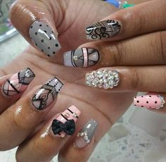 ❥♚ Pinned it for the L pinkie finger and the R fourth finger designs! Cute Nail Art Designs, Nail Polish Designs, Chic Nails, Swag Nails, Nails And Beyond, Plain Nails, Geometric Nail Art, Nail Candy, Nails Inspiration