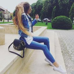 Karin Dragos || Out & About! #denimondenim. Karin Dragos, Passion For Fashion, Youtubers, How To Make, How To Wear, Louis Vuitton, Comfy, Jeans, Outfits
