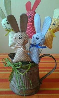 velikonoce zajíčci, zápich # artisanat à vendre - Love Handmade - Craft Ideas Diy Crafts To Sell, Handmade Crafts, Crafts For Kids, Sell Diy, Diy Toys To Sell, Bunny Crafts, Easter Crafts, Easter Projects, Craft Projects