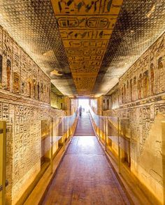 Ägypten Day Trip from Marsa Alam to Luxor Ancient Egypt Ägypten Alam Ancient Egypt buildings Day Luxor Marsa Trip Ancient Egypt History, Ancient Ruins, Life In Ancient Egypt, Egyptian Pharaohs, Pharaohs Of Ancient Egypt, Ancient Egypt Pyramids, Egyptian Temple, Egyptian Mythology, Egyptian Art