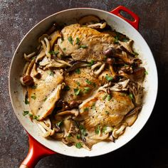 Creamy chicken & mushrooms: this healthy creamy chicken recipe is delicious with any combination of mushrooms. serve this dish over whole-wheat egg noodles Chicken Mushroom Recipes, Chicken Recipes, Chicken Mushrooms, Wild Mushrooms, Turkey Recipes, Weight Loss Meals, Crockpot, Snacking, Sushi