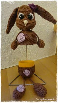 Zu Ostern ein kleines, nett verpacktes Geldgeschenk :) Für den Osterhasen benötigt ihr: ca. 25g Cotton Fun braun ca. 25g Cotton Q...