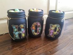 """Easter Spring Chalkboard set of 3 pint size mason jars ( Candy not included) choose between """"O"""" or b Mason Jar Projects, Mason Jar Crafts, Mason Jar Diy, Mason Jar Candy, Baby Food Jar Crafts, Diy Easter Decorations, Painted Mason Jars, Easter Crafts For Kids, Office Decor"""