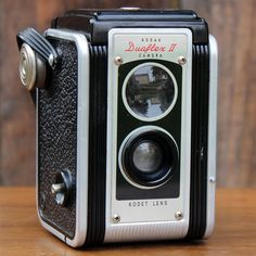 1950 KODAK DUAFLEX II Rent this and more from American Vintage Rentals.For decorative use only.