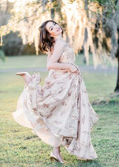 Prom dress pose photography girl light airy