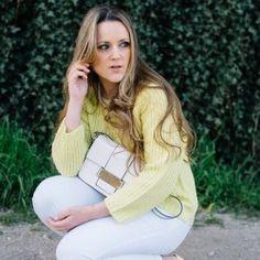 http://www.pintalabios.info/es/look-dia/view/es/244 Nuevo #Look #LookDelDia en pintalabios.info WHITE AND YELLOW         Today I decide mix white and yellow, I really love how these two colors match together, they're a really good he decidido combiner blanco y Amarillo, me encanta como quedan éstos dos colores juntos!         Regístrate en pintalabios.info y haz publicidad gratuita de tus look de moda o belleza ;)