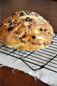 96fcb48bf5f1 7 Ingredient Muesli Bread  crusty on the outside