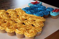 My version of a Snow White cupcake cake! Snow White Cupcakes, Snow White Cake, Fun Cupcakes, Birthday Cupcakes, Cupcake Cakes, 21st Birthday, Pull Apart Cupcake Cake, White Cakes, Crazy Cakes