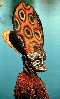 Ancestral mask representing Mwendumba (a lion) made and performed by Charles Chitofu. Chokwe peoples, Chitofu Village, Zambia, Photo by Manuel Jordán. African Culture, African Art, Spiritual Path, Custom Art, Art Museum, Sculpture Art, Lion, Artist, Painting