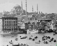 Haliç - 1967 Istanbul Turkey Historical Monuments, Historical Architecture, Old Pictures, Old Photos, Empire Ottoman, Turkey Images, World View, Historical Pictures, Best Cities