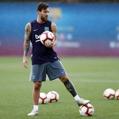 image Lionel Messi, Ronaldo Juventus, Fc Barcelona, Football Players, Sexy Men, Leo, Soccer, Aesthetic Pastel, King