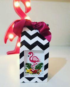 Caixa Milk Personalizada Flamingo!!! 📲Orçamento e Encomendas pelo WhatsApp (73)99976-0460... #caixapersonalizadaflamingo #flamingo #festaflamingos #festaflamingos #decoracaoflamingo #personalizadosflamingo #personalizadoflamingo #personalizadoscomarte #decoracaoflamingo #lembrancinhaflamingo #lembrancaflamingo #lembrancaflamingo #caixasushiflamingo #caixasushi #caixasuhipersonalizada #caixamilk #caixamilkpersonalizada #caixamilkflamingo Gift Wrapping, Gifts, Boxes, Party, Gift Wrapping Paper, Presents, Wrapping Gifts, Favors, Wrap Gifts