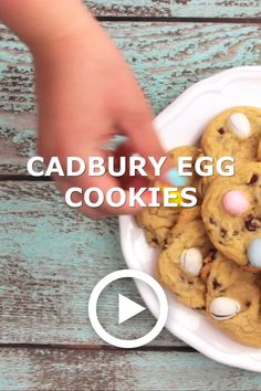 These Easter Cadbury Mini Egg Cookies take chocolate chip cookies to a whole new level! You can't go wrong adding Cadbury eggs to anything in my opinion. Cadbury Cookies, Chocolate Chip Cookies, Mini Eggs Cookies, Easter Cookies, Easter Treats, No Egg Cookie Recipe, Easter Cookie Recipes, No Egg Desserts, Desserts Ostern