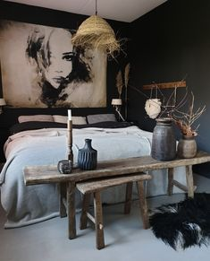 Awesome 31 Attractive Boho Farmhouse Bedroom Decoration Ideas For Your Inspiration Farmhouse Style Bedrooms, Farmhouse Bedroom Decor, Home Decor Bedroom, Decor Room, Shabby Chic Interiors, Shabby Chic Bedrooms, Shabby Chic Decor, Accent Wall Decor, Bedroom Wall Colors