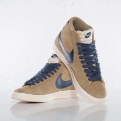 ec9f8d9c1cf3 Nike Wmns Blazer Mid Suede VNTG - 518171-201 - Sneakersnstuff