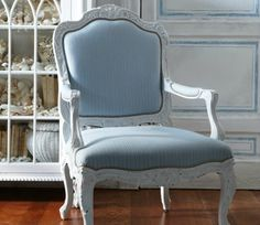 annie sloan painted chair with sky blue fabric Love this chair