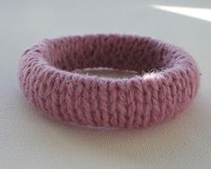 cloudhopping: Knitted Bangle Turorial