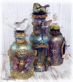 Imaginarium Designs: Altered bottle and Captured Canvas by Sue Smyth . Glass Bottle Crafts, Wine Bottle Art, Diy Bottle, Bottle Lamps, Painted Glass Bottles, Bottle Charms, Bottle Box, Potion Bottle, Bottle Vase