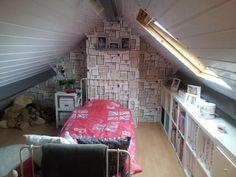 Mooi briefkaarten behang van de Karwei bed in het midden zo stooten we het hoofd niet