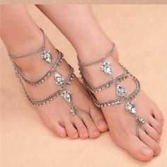 Women's anklets – Lady Dress Designs Silver Ankle Bracelet, Ankle Jewelry, Ankle Bracelets, Feet Jewelry, Gold Jewelry, Jewlery, Anklet Tattoos, Gorgeous Feet, Women's Feet
