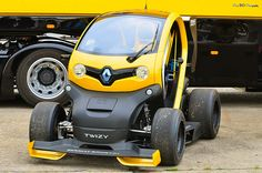 Renault Twizy F1... give me a fucking reason for buy this shit!!!