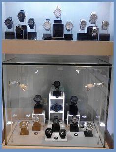 NIXON Watch display