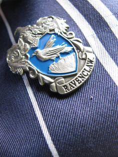 Image de harry potter, ravenclaw, and hogwarts Harry Potter Houses, Hogwarts Houses, Harry Potter World, Slytherin, Harry Potter Accesorios, Azul Vintage, Hogwarts Mystery, Harry Potter Aesthetic, Harry Potter Wallpaper