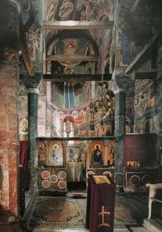 Serbia is a treasure trove of Eastern Orthodox iconography. Orthodox Prayers, Orthodox Christianity, Fresco, Old Time Religion, Serbia And Montenegro, Church Interior, Christian Church, Orthodox Icons, Sacred Art