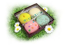 Our Easter mac gift box is also available!