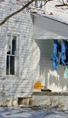 Old Farm House Clothes Line On Front Porch