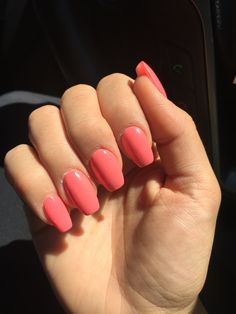 Coffin acrylic nails in coral reef Coral Acrylic Nails, Acrylic Nails Stiletto, Almond Acrylic Nails, Summer Acrylic Nails, Toe Nails, Coffin Nails, Summer Nails, Coral Ombre Nails, Glitter Nails