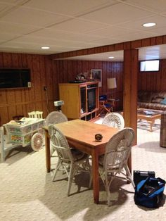 Before & After: Lacey's Multifunctional Basement — The Big Reveal Room Makeover Contest 2015 Basement Guest Rooms, Small Basement Remodel, Modern Basement, Basement Windows, Basement Apartment, Basement Renovations, Basement Ideas, Apartment Therapy, Basement Bathroom