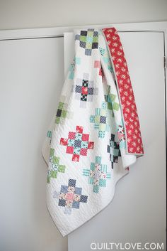 Quilty Love | Scrappy Granny Squares Quilt using bonnie and Camille's daysail fabric  |http://www.quiltylove.com