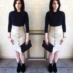 "Theory khaki front buttoned belted pencil skirt Theory khaki front buttoned belted pencil skirt! This skirt is so chic! In great condition. Model is 5'6"" and 130lb for reference! Theory Skirts Pencil"