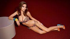 Feliz viernes: ¡Emily Ratajkowski sube foto desnuda por error!