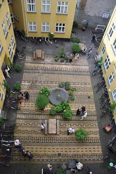 Courtyard paving. Location: Classensgade 27, Copenhagen, Denmark. Design by 1:1 Landskab #landscapearchitecturecourtyard