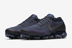 Another Nike Air VaporMax in College Navy will be releasing to kick off the Fall 2017 season.
