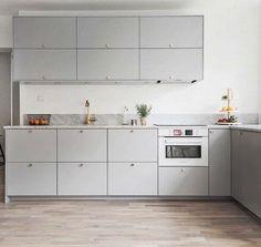 Golv One Wall Kitchen, Kitchen Corner, Kitchen Art, Kitchen Furniture, New Kitchen, Kitchen Dining, Kitchen Cabinets, Cuisines Design, Apartment Kitchen