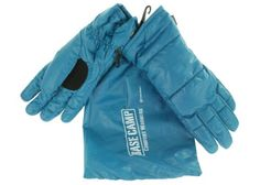 Grandeo Base Camp Cold weather gloves. Pack light, warm up handwear - light weight and water resistant