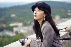 Mrzτσ🌙 Level up project Source: South Korean Girls, Korean Girl Groups, My Girl, Cool Girl, Kang Seulgi, Red Velvet Seulgi, Fandom, Instagram Pose, Korean Bands