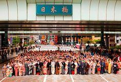 「TOKYO KIMONO WEEK 実行委員会」は、 今年で第6回となる着物文化を発信し街に賑わいを創出するイベント 「TOKYO KIMONO WEEK 2012 ~きもの・和・日本橋~」が開催されます。