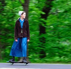 amish girl skateboarding = badass.