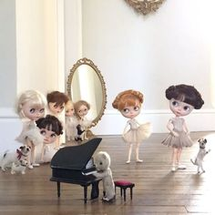 """""""See the Little Mischiefs with their pointed toes, ever so poised with a turned up nose! First position please, let the music begin. Time for some ballet discipline!"""" #tirinandkatten  #ballet #ballerina  #vainilladolly  #ransilentnight  #gbaby  #emilysdolls  #erregiro  #domenicamoregordon  #dewdropteddybears  #inkarno_art  #degas  #class  #dollphotography  #blythedoll"""