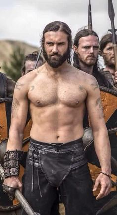 Clive Standen on Vikings @Mitsune Chan Chan Chan