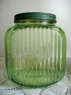 GREEN DEPRESSION GLASS COOKIE / COFFEE JAR W METAL LID