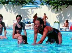 """L'hotel Bellevue Beach è perfetto per le famiglie: sulla   spiaggia """"Bagno Beachotels 321"""" vi aspetta tanto divertimento con lo  Junior Club"""