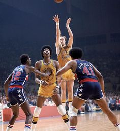 Led by Rick Barry, the Golden State Warriors won their 1st NBA Championship with a 4-0 sweep of the Washington Bullets.