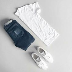 """CAPSULE WARDROBE (@capsulewardrobemen) on Instagram: """"It can't get better than this. . . www.capsulewardrobe.in . . #mensfashion #outfitgrid #flatlay…"""""""