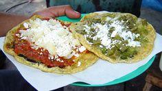 Memelas. Deliciosa comida típica de las calles (y oficinas) de la Ciudad de Puebla, México.