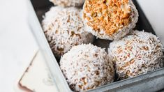 Both Catering and Snack: Carrot Flavor Balls - Eat Recipes Sugar Free Desserts, Healthy Desserts, Raw Food Recipes, Healthy Drinks, Snack Recipes, Catering, Creative Food, Clean Eating Snacks, Food Design